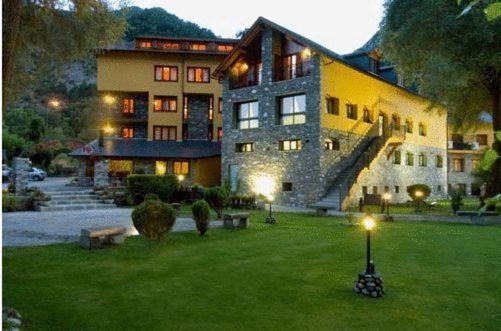 Hotel Valokuvat: Hotel Restaurant Castellarnau