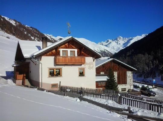 Foto dell'hotel: Padoellhof
