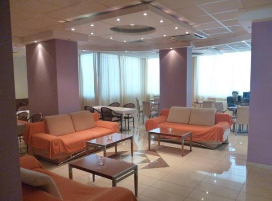 Φωτογραφίες του ξενοδοχείου: Hotel Korinthos