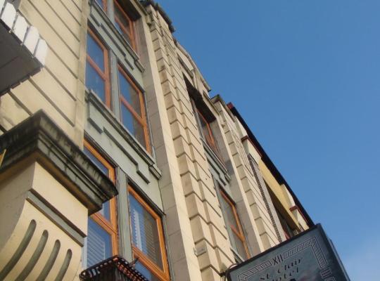Hotel photos: St. Clair Hotel Hostel