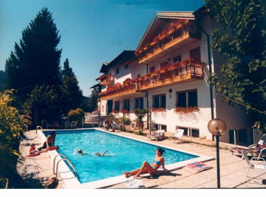 Otel fotoğrafları: Albergo Gilda