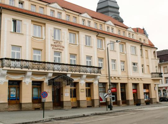 Φωτογραφίες του ξενοδοχείου: Hotel Dorottya