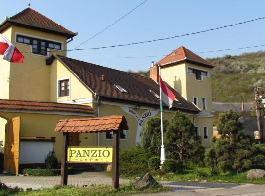 Hotel bilder: Torkolat Panzió