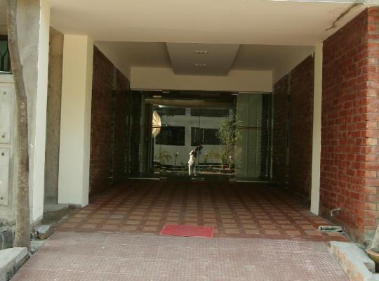 Фотографії готелю: Richmond Hotel & Suites