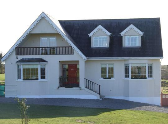 Viesnīcas bildes: The Curragh B&B Country House Accommodation