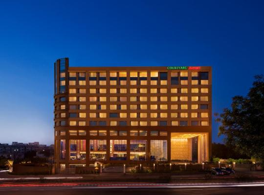 Képek: Courtyard By Marriott Ahmedabad