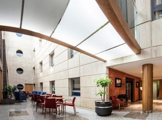 Φωτογραφίες του ξενοδοχείου: Torreluz Senior