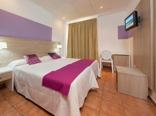 Hotel fotografií: Hostal Adelino