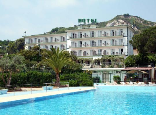 Photos de l'hôtel: Tennis Hotel