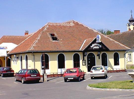 Foto dell'hotel: Halászcsárda-Panzió