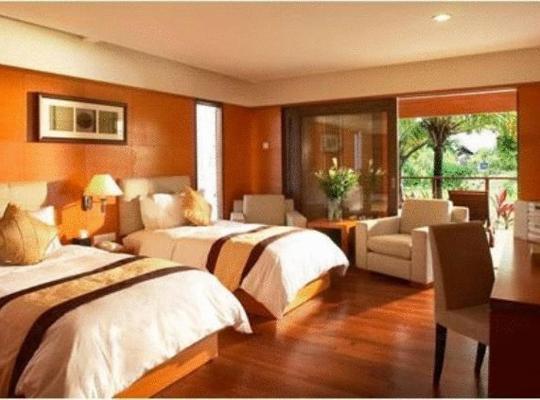 Хотел снимки: Duyong Marina & Resort