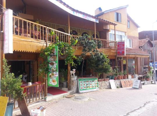 Хотел снимки: Mustafa Hotel