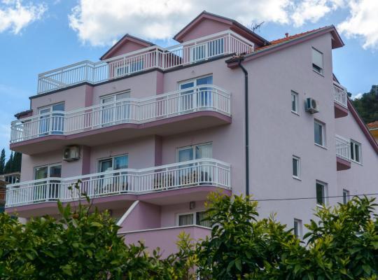 Otel fotoğrafları: Apartments Mijo