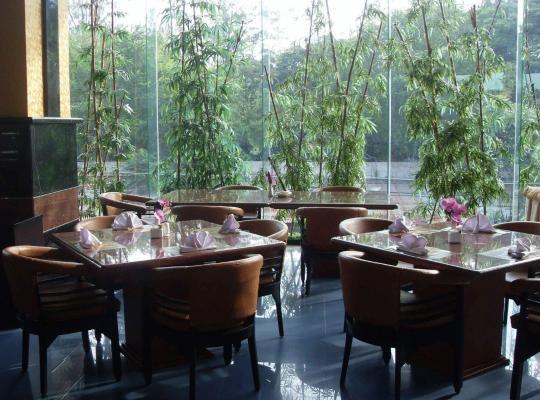 תמונות מלון: Hotel Oval