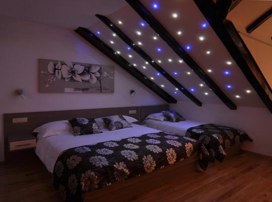 Hotel photos: Deluxe Apartments & Rooms Sarella