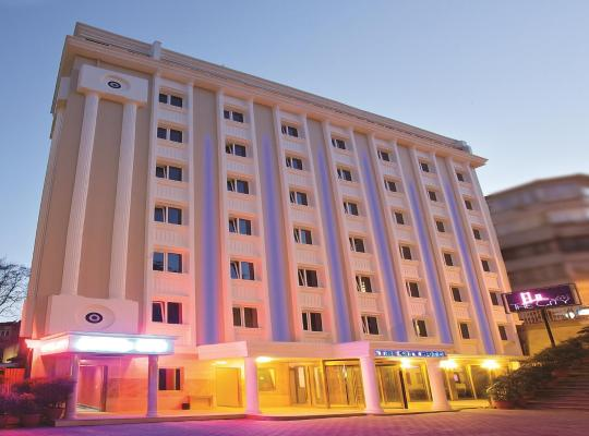 Фотографії готелю: The City Hotel