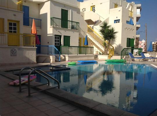 Hotel bilder: Sea N Lake View Hotel Apartments