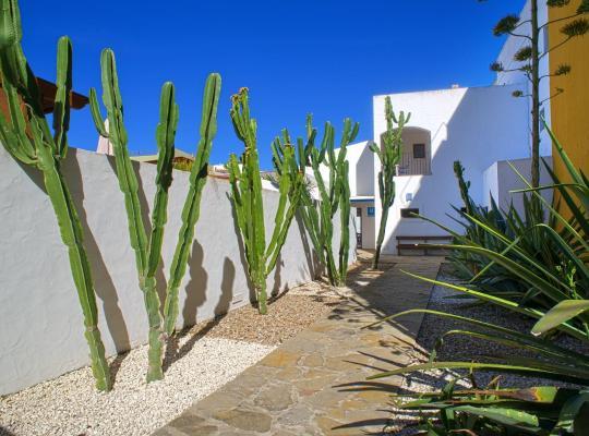 Φωτογραφίες του ξενοδοχείου: Hostal Doña Lola Marina