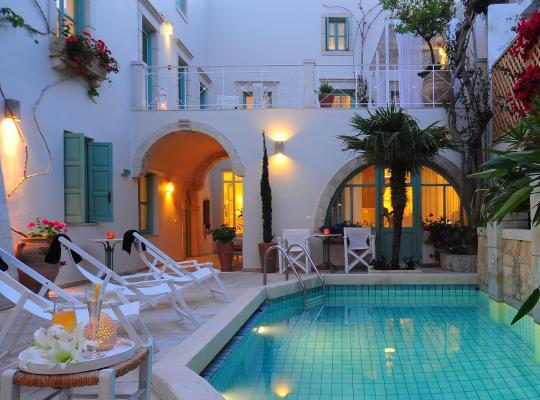 Képek: Mythos Suites Hotel
