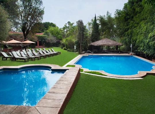 Φωτογραφίες του ξενοδοχείου: Hotel Racquet Cuernavaca