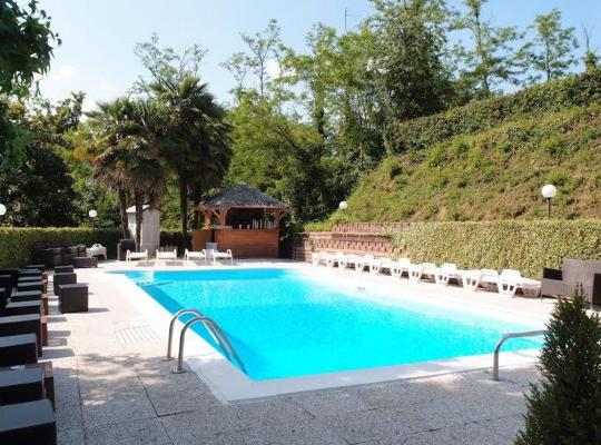 Fotografii: Hotel Fossati