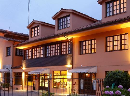 Хотел снимки: Hotel Marqués de la Moral