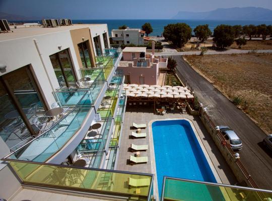 Hotel Valokuvat: Crystal Bay Hotel