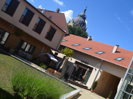 ホテルの写真: Szent János Hotel