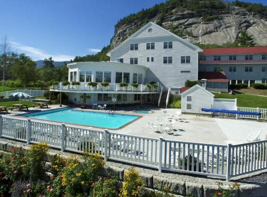 Фотографии гостиницы: White Mountain Hotel and Resort