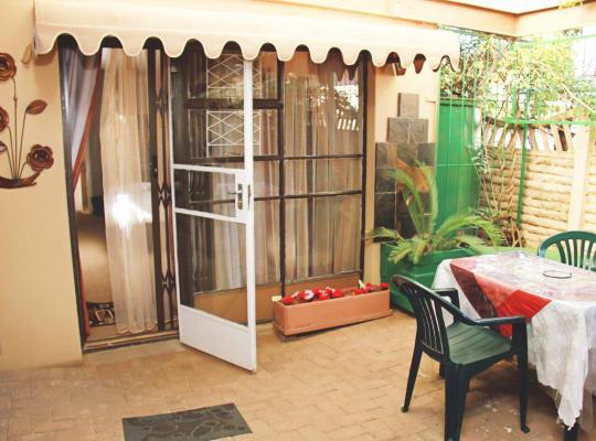 Otel fotoğrafları: Annex Guest Rooms