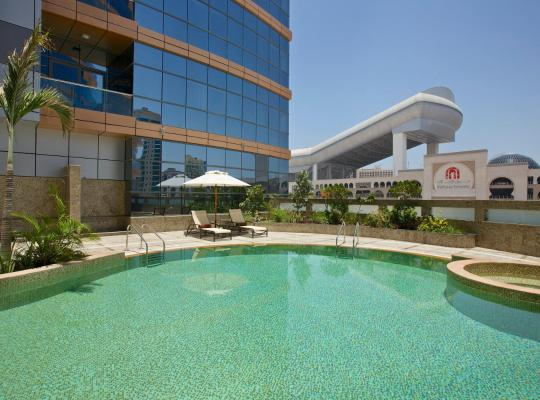 Viesnīcas bildes: DoubleTree by Hilton Hotel and Residences Dubai – Al Barsha