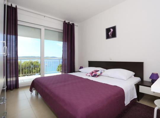 Фотографії готелю: Apartments Dado Trogir