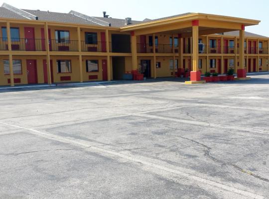 Hotel photos: Park Hill Inn and Suites