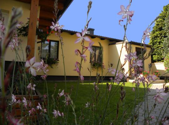 ホテルの写真: Appartement/Ferienhaus Sonnenhain