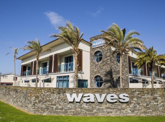 Хотел снимки: Waves
