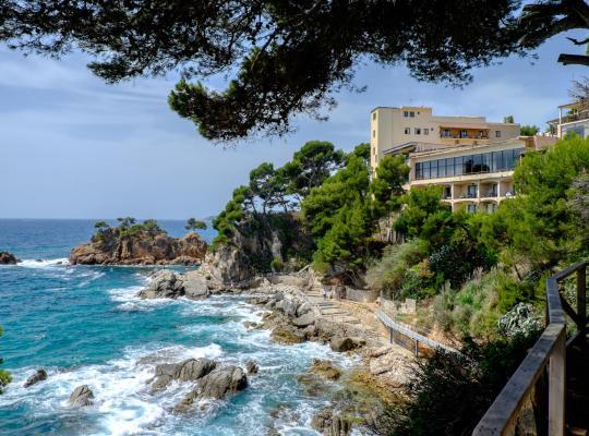 Otel fotoğrafları: Hotel Cap Roig by Brava Hoteles