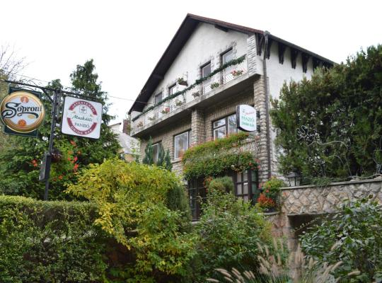 Fotos de Hotel: Muskátli Panzió