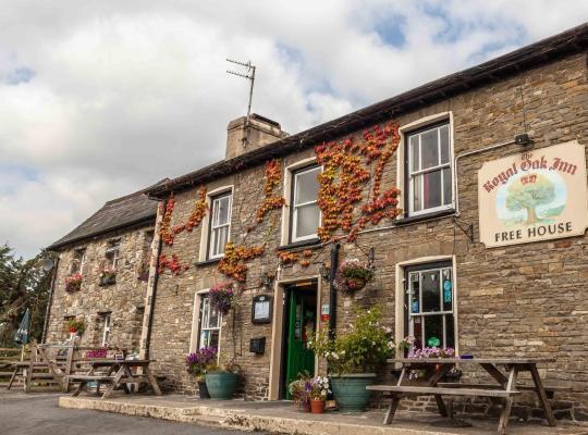 Фотографии гостиницы: The Royal Oak Inn