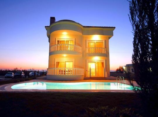Фотографии гостиницы: Sadev Turizm Belek Family Villas