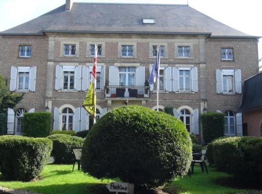 Hotel photos: Logis Le Clos du Montvinage Rest. Auberge Val De l'Oise