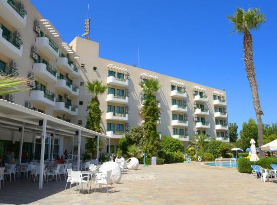 Photos de l'hôtel: Artemis Hotel Apartments