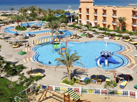 Hotel bilder: The Three Corners Sunny Beach Resort