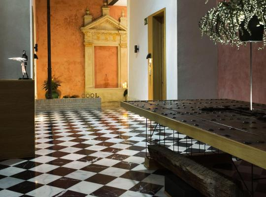 Hotel photos: Aguilas5 SevillaSuites