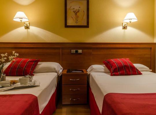 Хотел снимки: Hotel Zodiaco