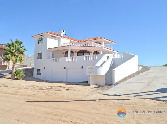 Fotos de Hotel: Casa Las Vistas del Mar by FMI Rentals
