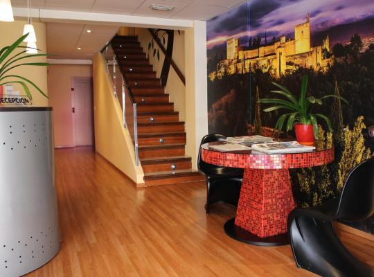 Фотографії готелю: Hotel La Curva
