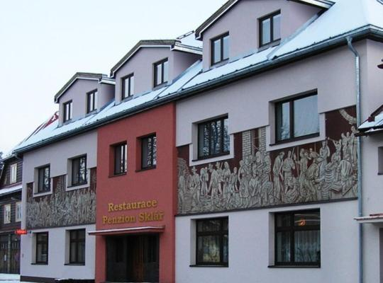 Hotel bilder: Penzion a restaurace Sklář