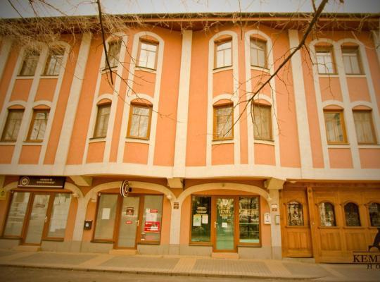 Hotel bilder: Kemencés Csárda és Panzió