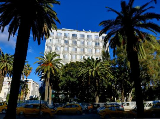 Képek: Hôtel La Maison Blanche