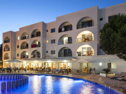 酒店照片: Aparthotel Puerto Cala Vadella